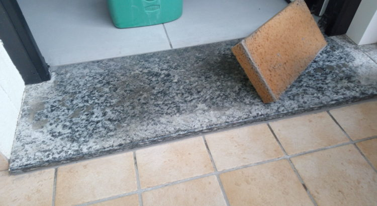stuccare le fughe delle piastrelle