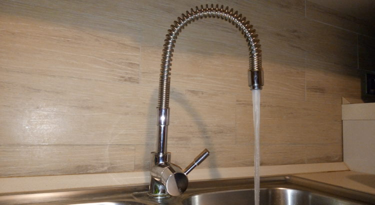 Quanto costa un litro di acqua del rubinetto